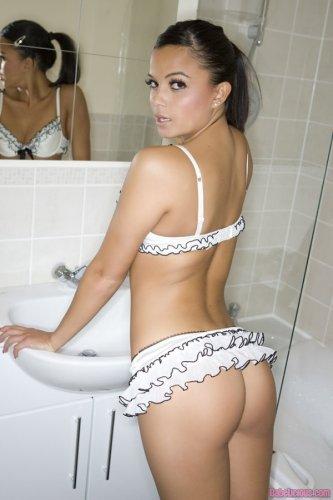 Sasha Cane � ����