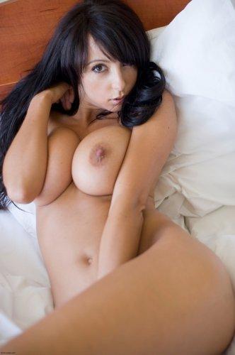 Anna - Strip (mc-nudes.com)