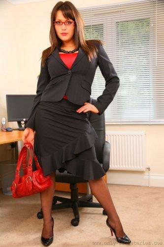 Jenna Hoskins - прекрасная грудастая секретарша в офисе