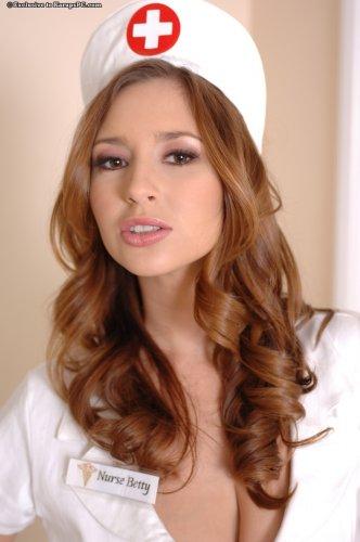 Медсестра Shay Laren