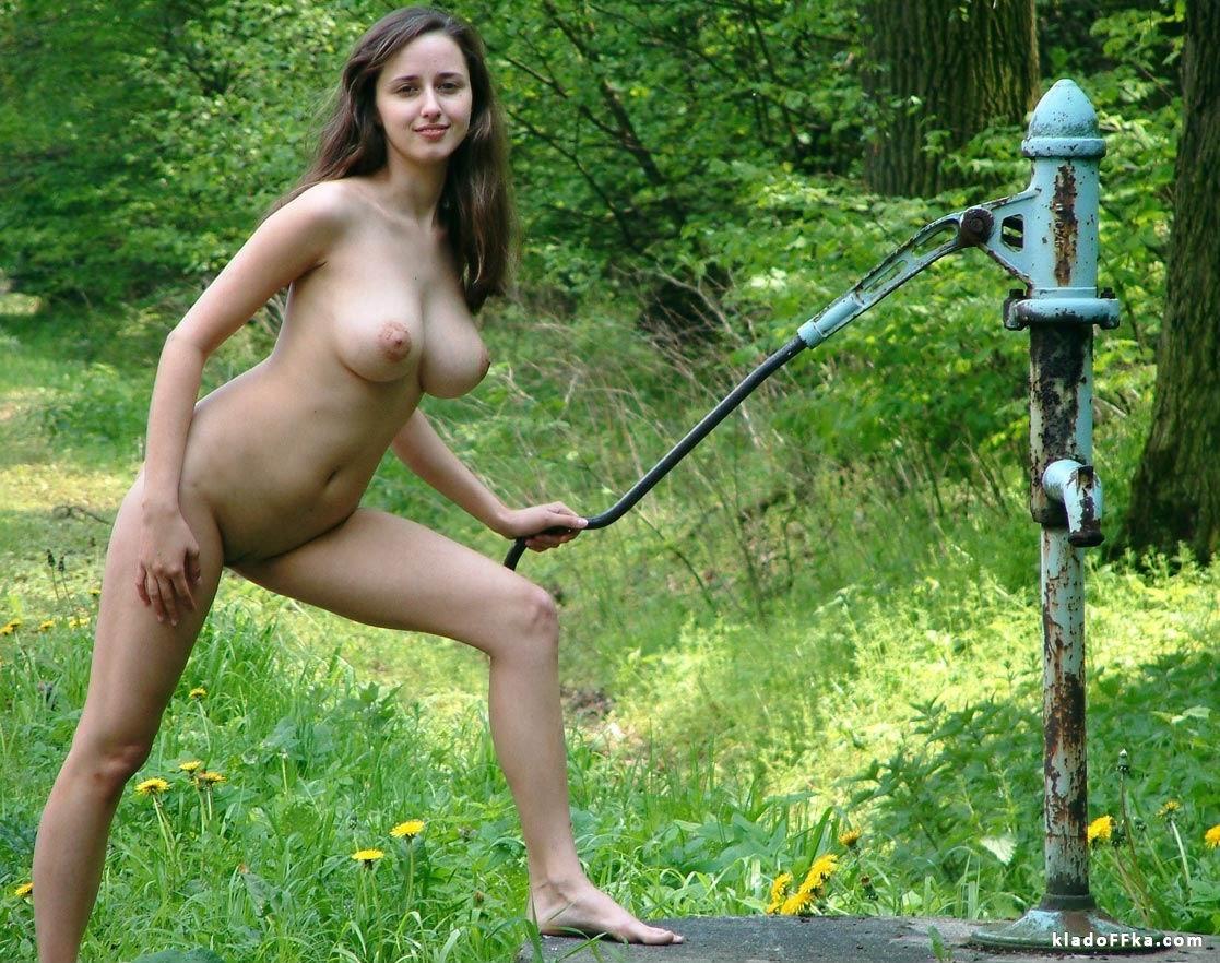 Фото голых деревенских девушек 18 фотография
