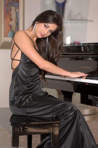 Великая пианистка Georgia Jones