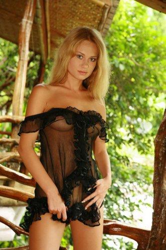 Откровенные фото блондинки