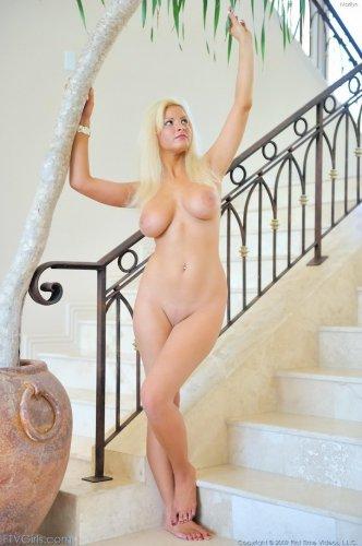 Marilyn с большими сиськами