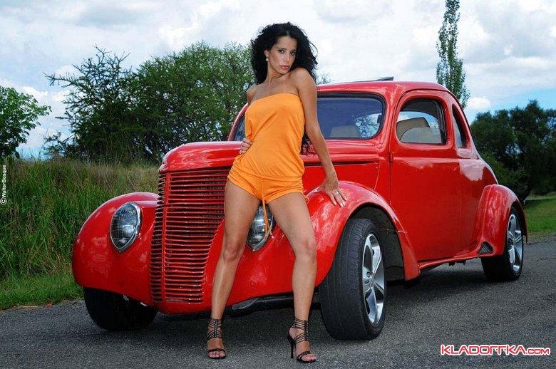 Девушки и машины фото эротика — pic 3