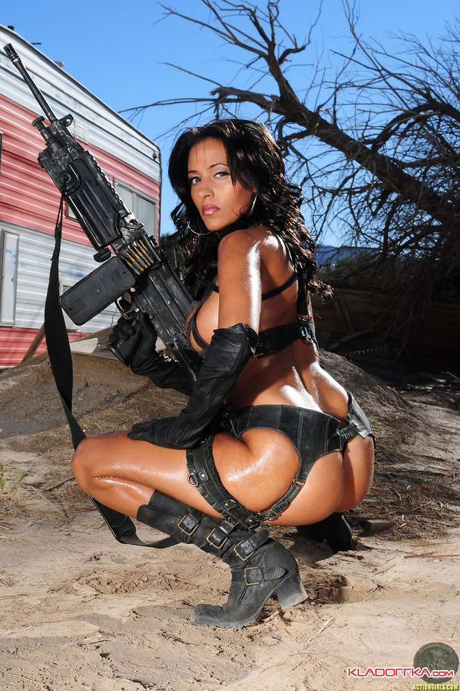 Онлайн порно девушки с оружием