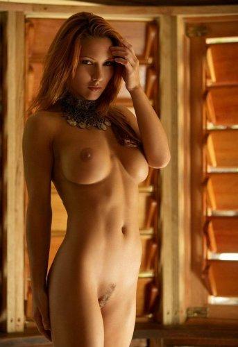 Рыжеволосая Джоли