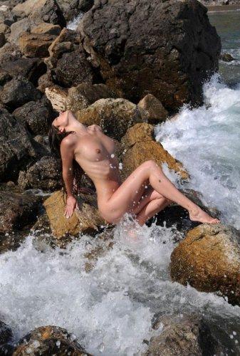 Николь, море, волны, эротика