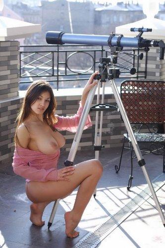 Тина на балконе
