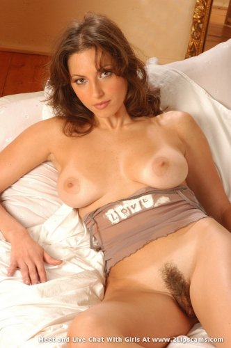 Babe posing naked