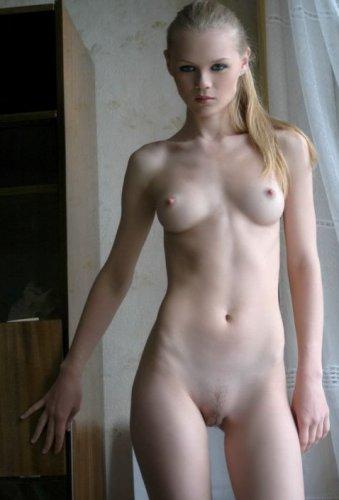 Блондинка-очаровашка