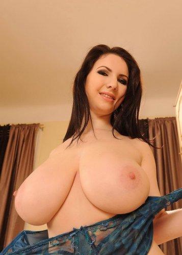 Лина с огромной грудью