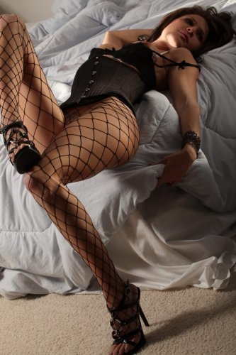 Jenni Lee in fishnet