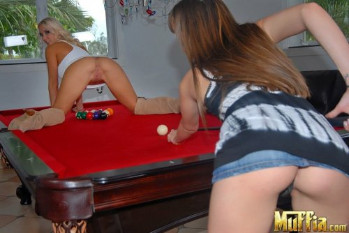 Alluring lesbos Capri Anderson and Molly Cavalli have strapon sex in the pool room