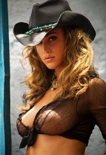 Красотка в ковбойской шляпке
