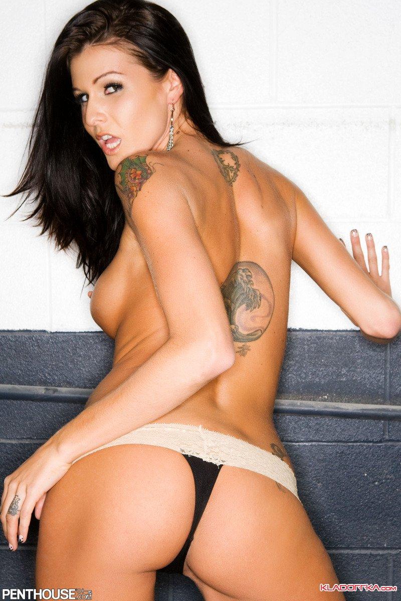 Малолетки  Красивые голые девушки эротические фото