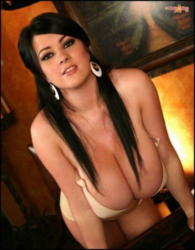 Rachel Aldana и её самая большая !!настоящая!! грудь Англии (11 размер)