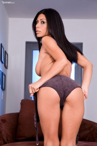 Latin girl Cassandra Cruz