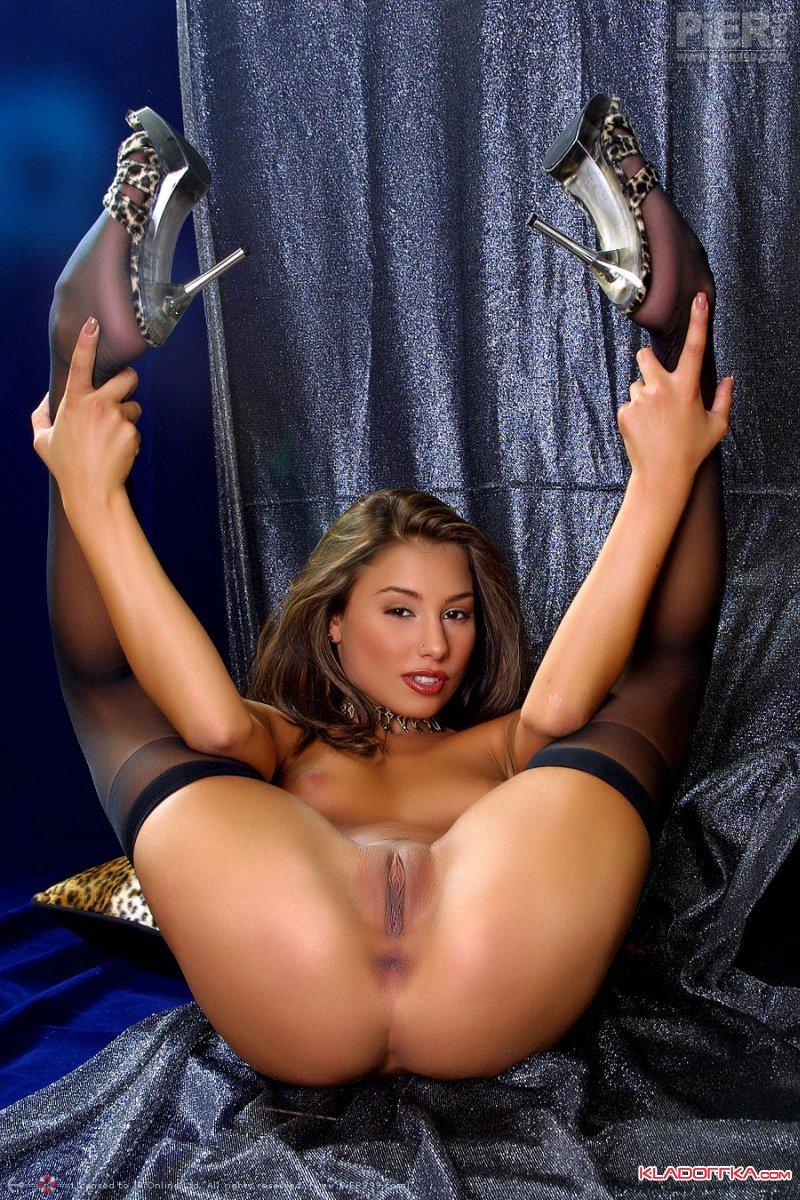 порно фото госпожа в перчатках