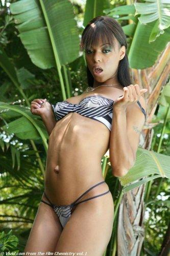 Marie Luv в джунглях