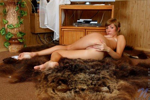 Домашние порно фотки развратной девушки