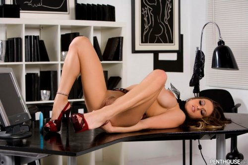 Rachel Roxxx в офисе