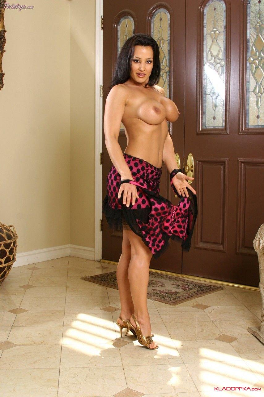 Проститутка в обтягивающем платье видео онлайн фото 662-859
