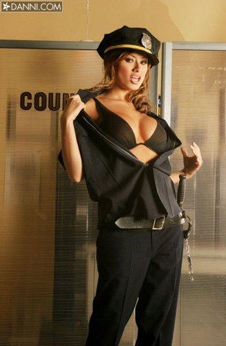 Cop Lisa Daniels