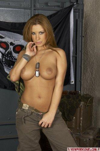 Dorothy пулемётчица