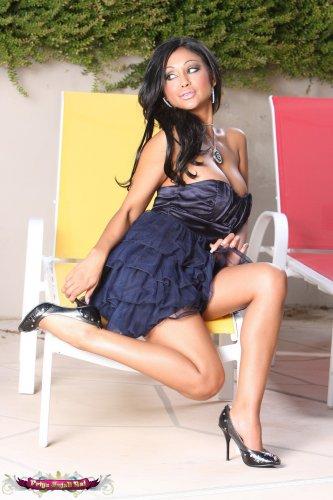 Priya Anjali Rai tits