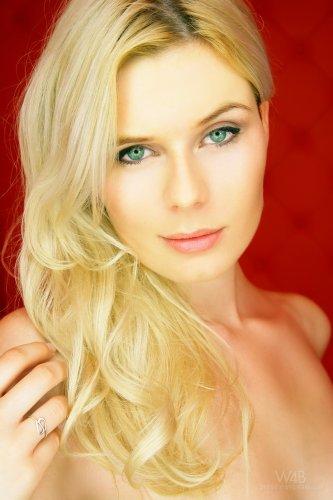 Lynn Kross - Casting