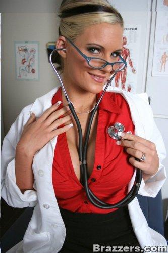 Порно врач Phoenix Marie