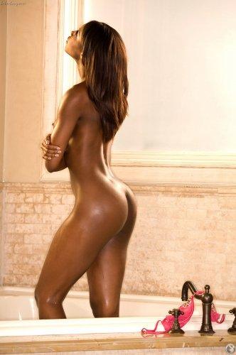 Мокрая жопка шоколадки