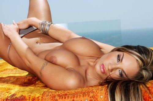 Amy Ried - Malibu