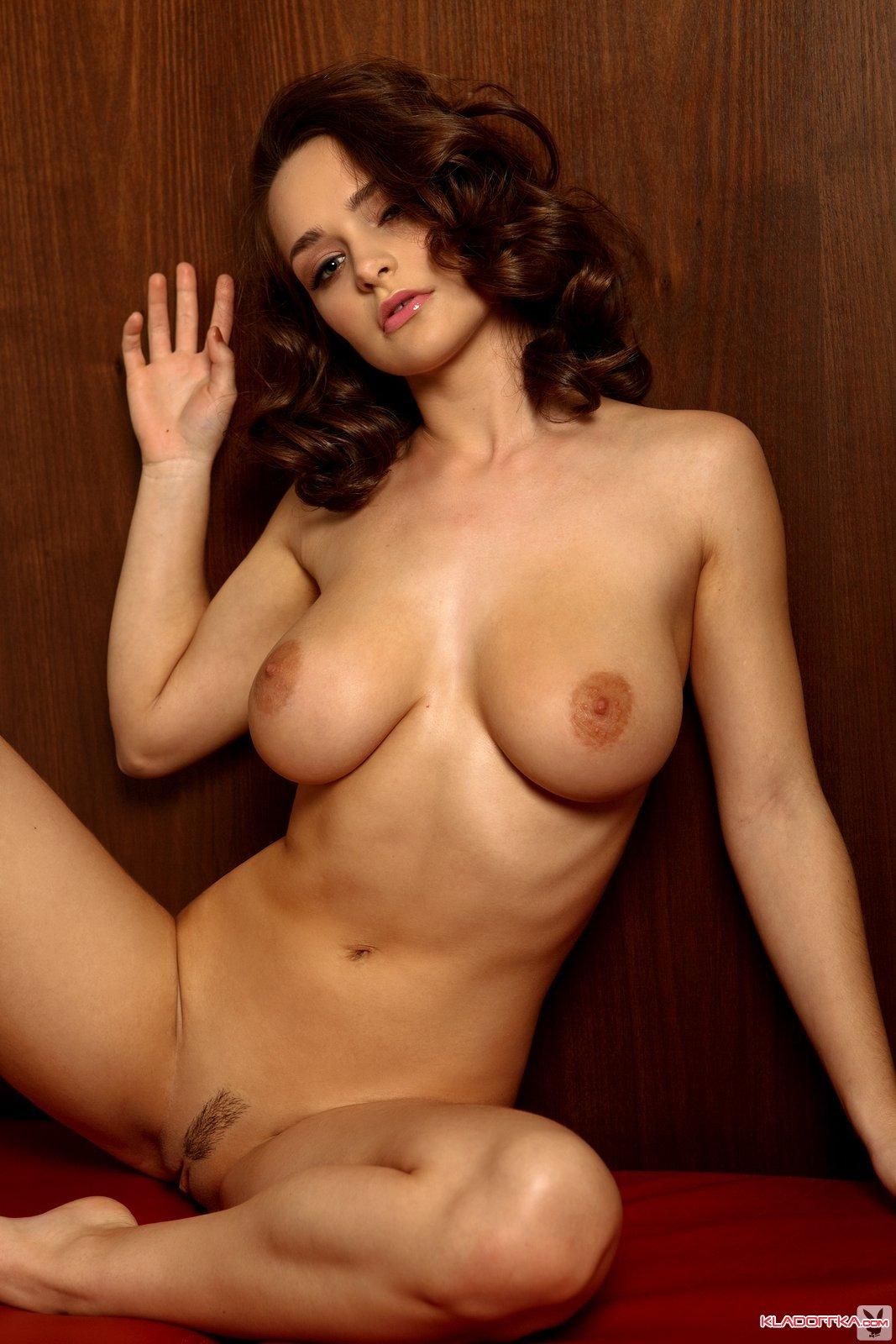 Kristin Davis nackt, Oben ohne Bilder, Playboy Fotos, Sex