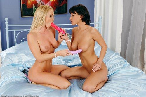 Veronika & Silvia Saint