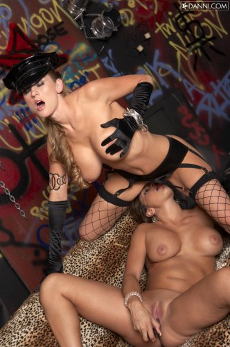 Claudia Valentine & Abby Rode