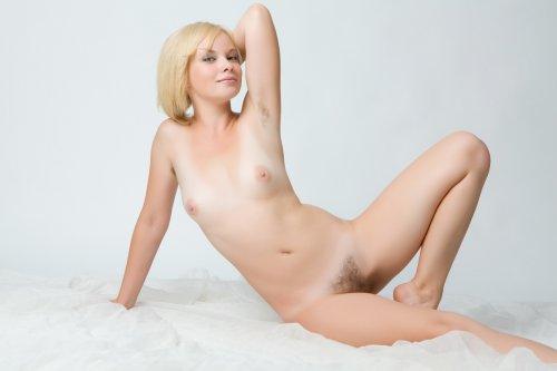 Блондинка Feeona A.