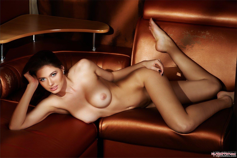 Эротика порно манекены голых девушек и мужчин 18 фотография