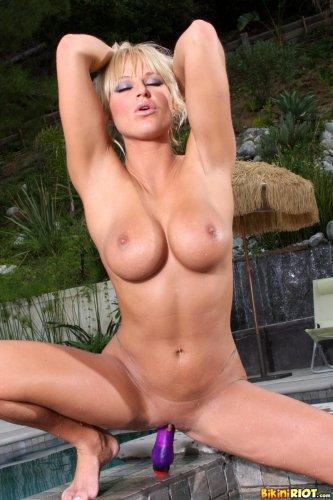 Brooke Belle