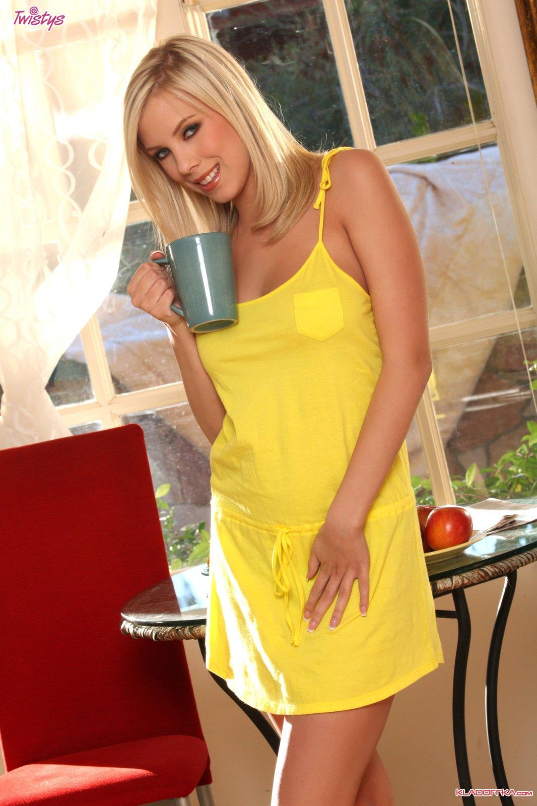 Britney Beth фото эротика и порно