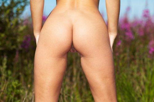 Sindy Velmon в поле
