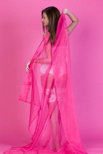 Ирина в розовой комнате