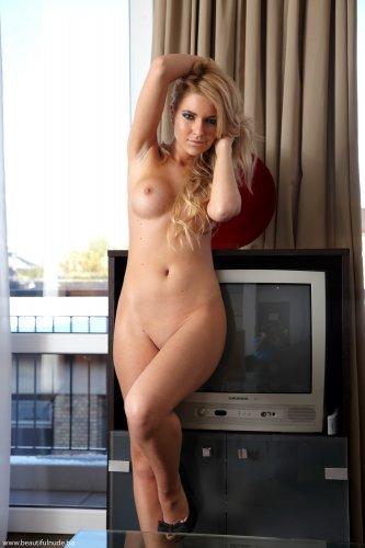 Шикарная блондинка Лиза