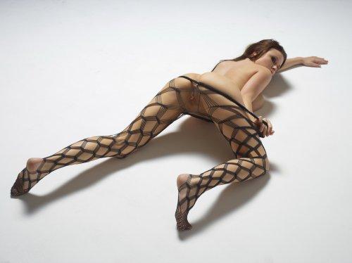 Марьяна в сексуальной бодисетке
