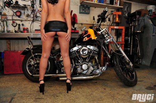Bryci biker babe