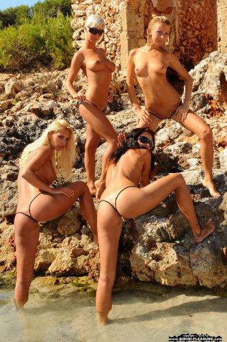Lea Tyron & Nataly с подружками