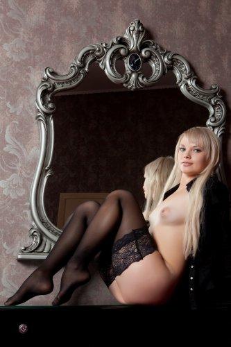Блондинка Feeona