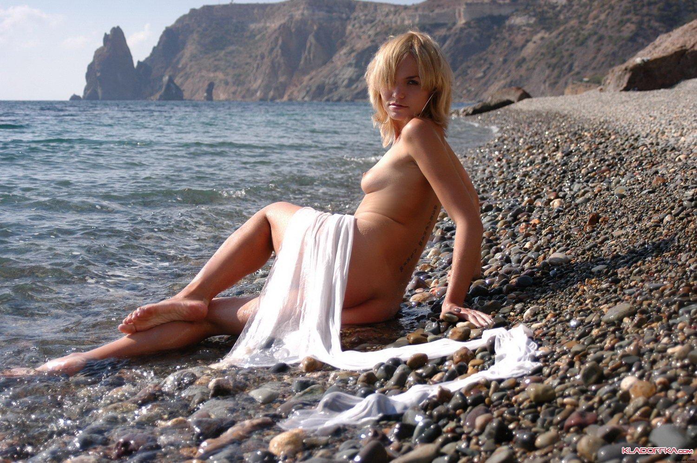 Случай на диком пляже 9 фотография