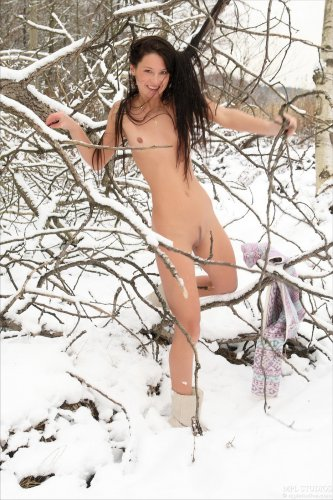 Мария в зимнем лесу